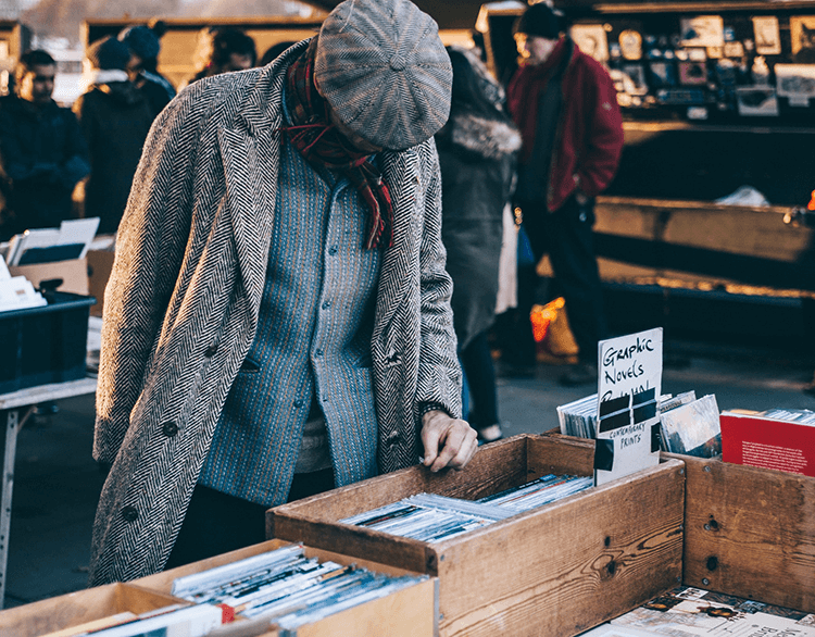 Increase sales at the flea market by following these tips on connecting with your customers.